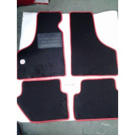 http://www.gbauto500.com/300-thickbox_default/tappeti-per-fiat-500-d-epoca-neri-bordo-rosso.jpg